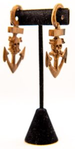 8g Skull and Crossbone Anchor Wood Hangers